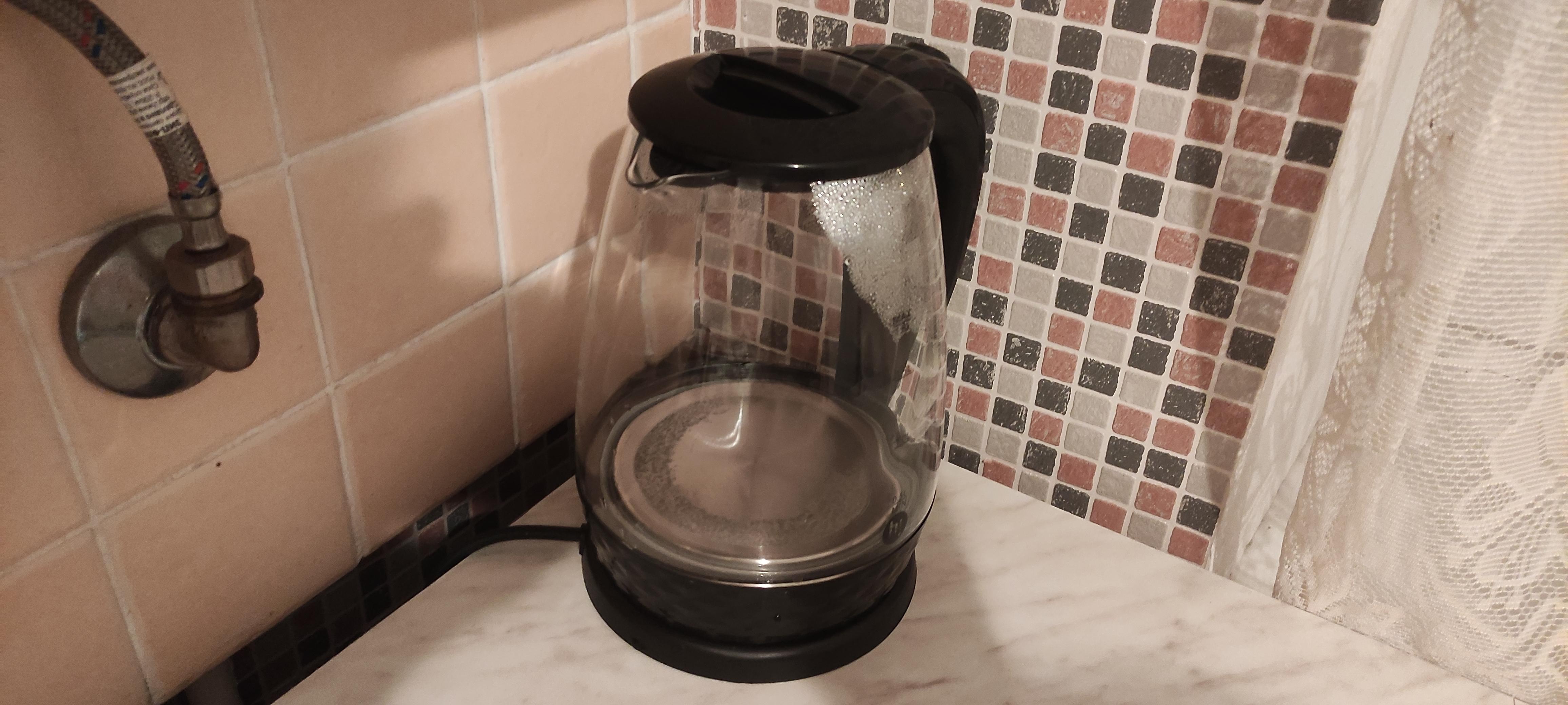 Обзор чайника Hi EK-18G15