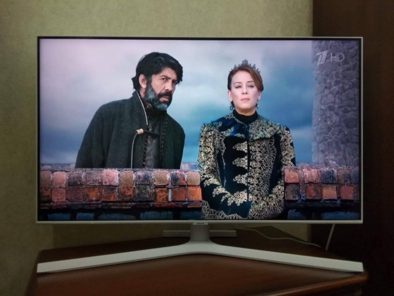 """Он просто чудо. Обзор на Ultra HD (4K) LED телевизор 43"""" Samsung UE43TU8510U"""