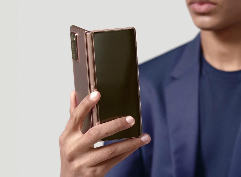 Часы не нужны. Samsung Galaxy Z Fold покажет артериальное давление, частоту сердцебиения и уровень холестерина