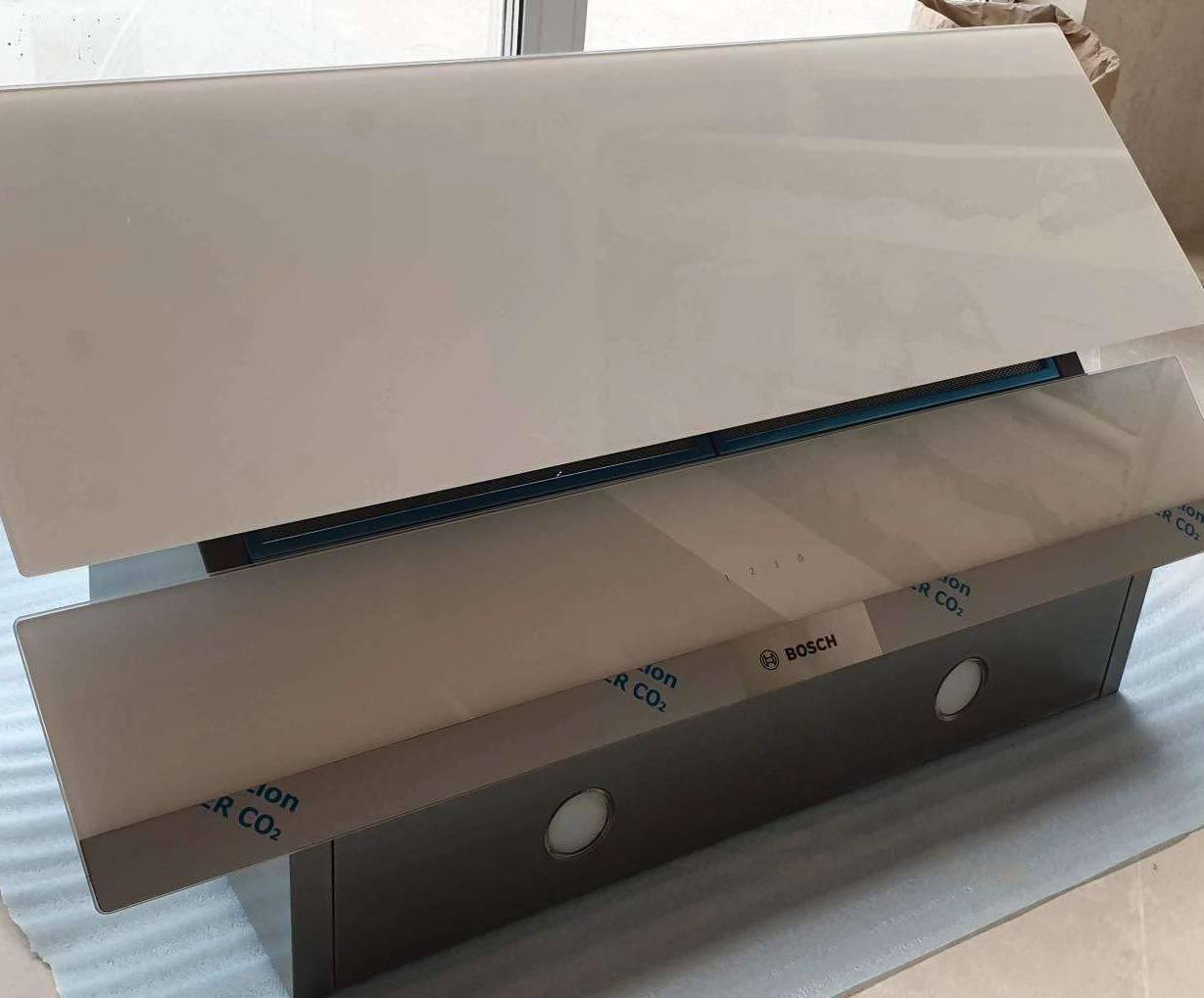 Она создана для Вашей кухни. Обзор на вытяжку Bosch DWK095G20R