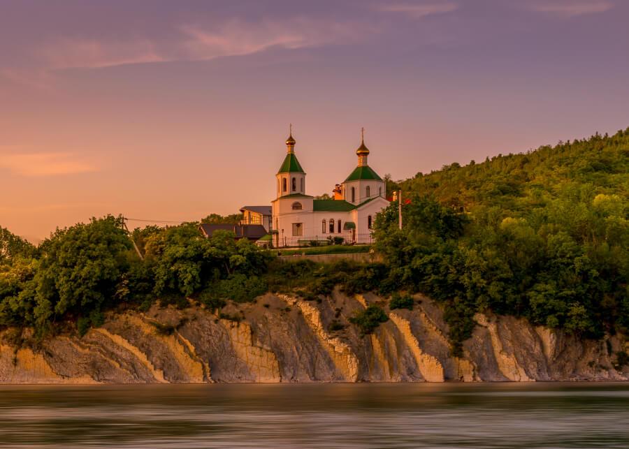 Вместо Турции. 11 мест для недорогого отдыха в России