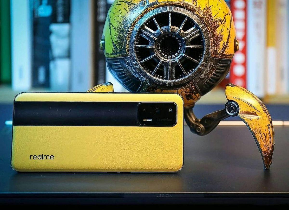 Рейтинг самых крутых смартфонов 2021 года возглавил Realme. Это исторический момент