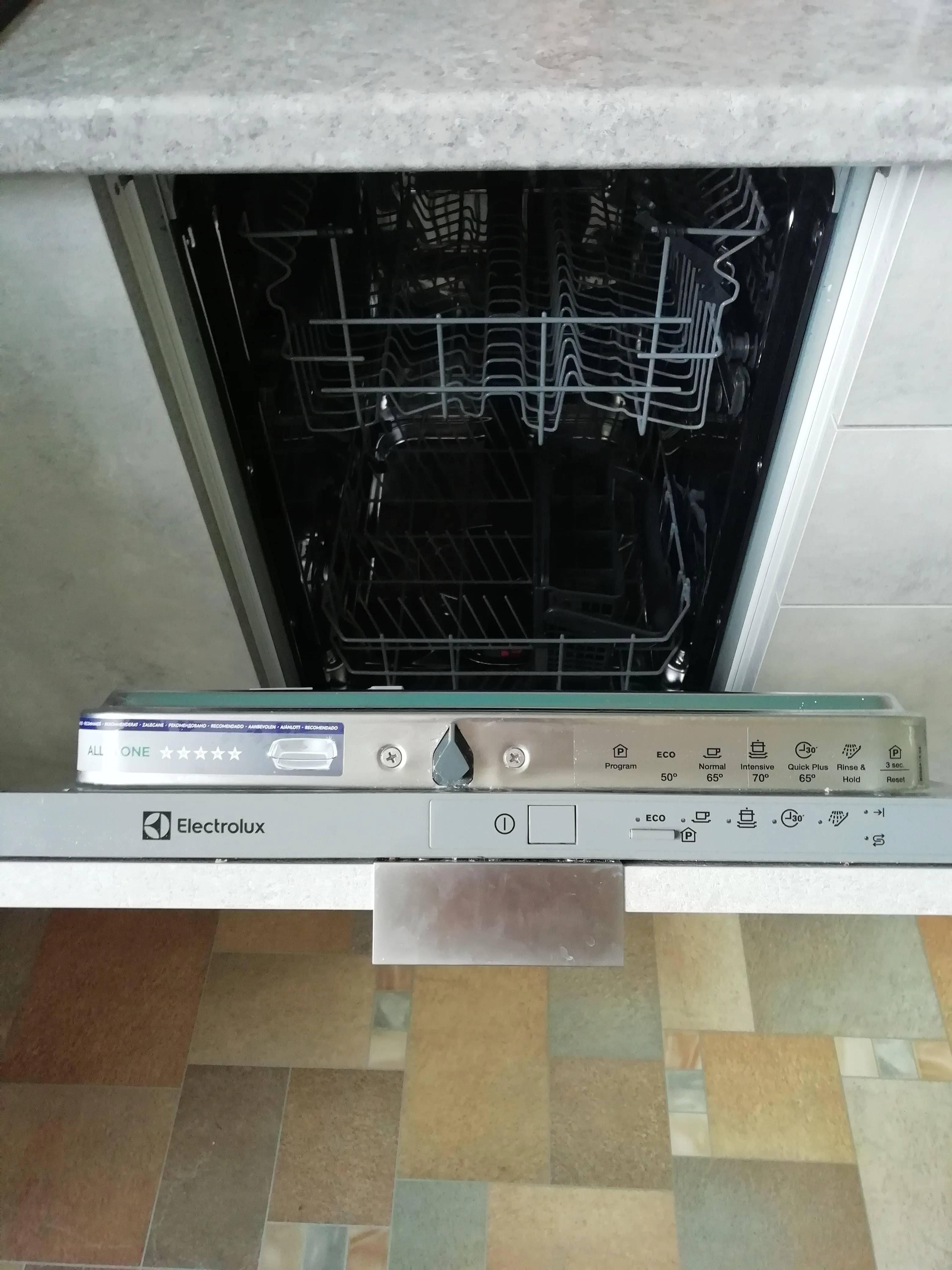 Ваша посуда просто засияет. Обзор на встраиваемую посудомоечную машину Electrolux ESL 94200 LO