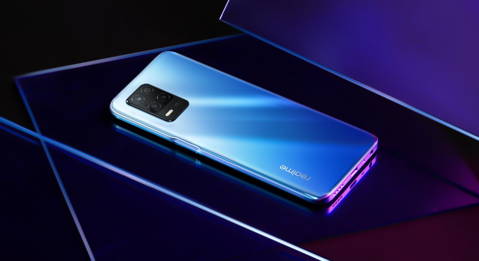 В России стартовали продажи смартфона Realme 8 5G и нашников Buds Air Neo 2