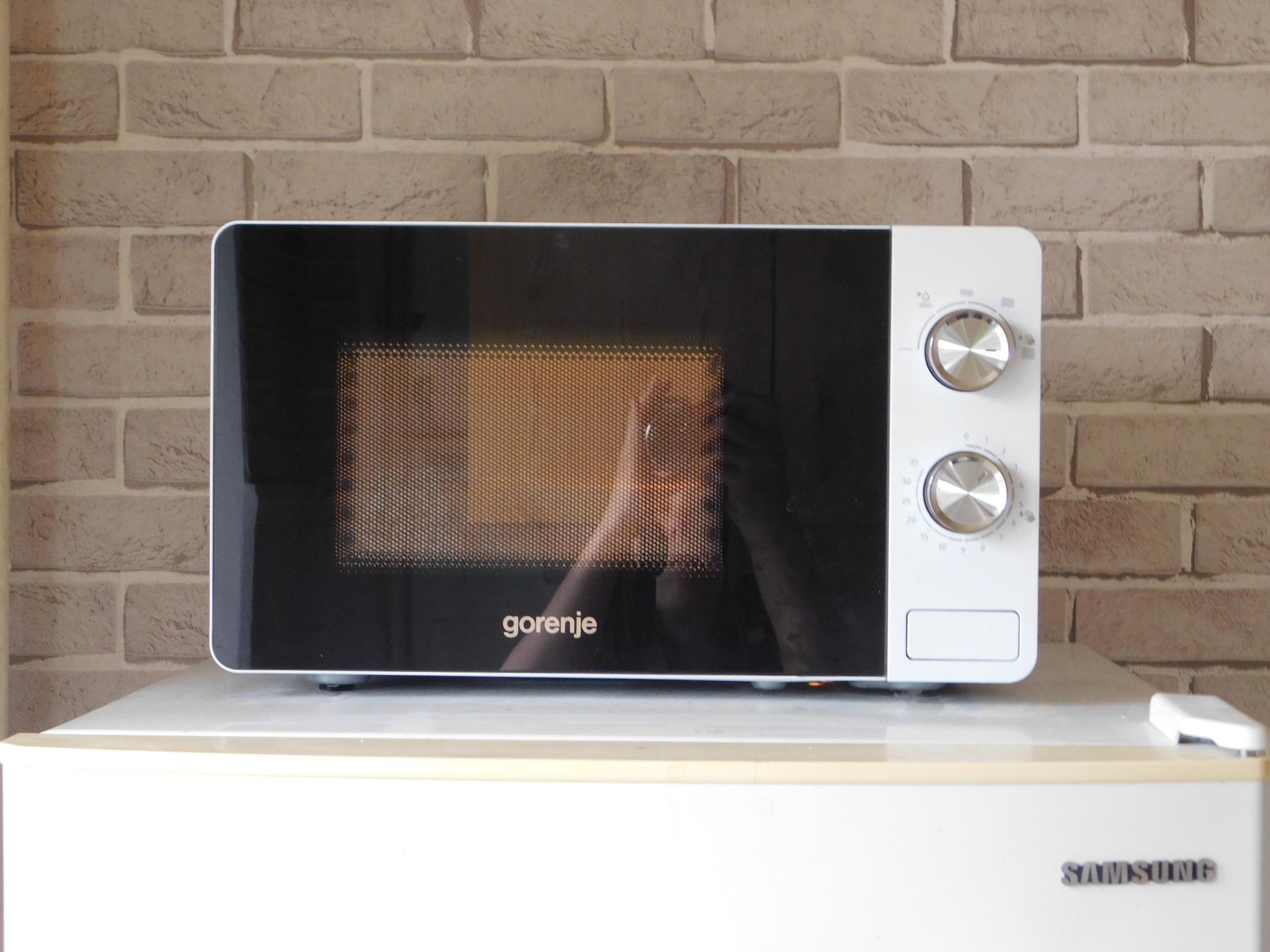 Обзор на микроволновую печь Gorenje MO20E1W