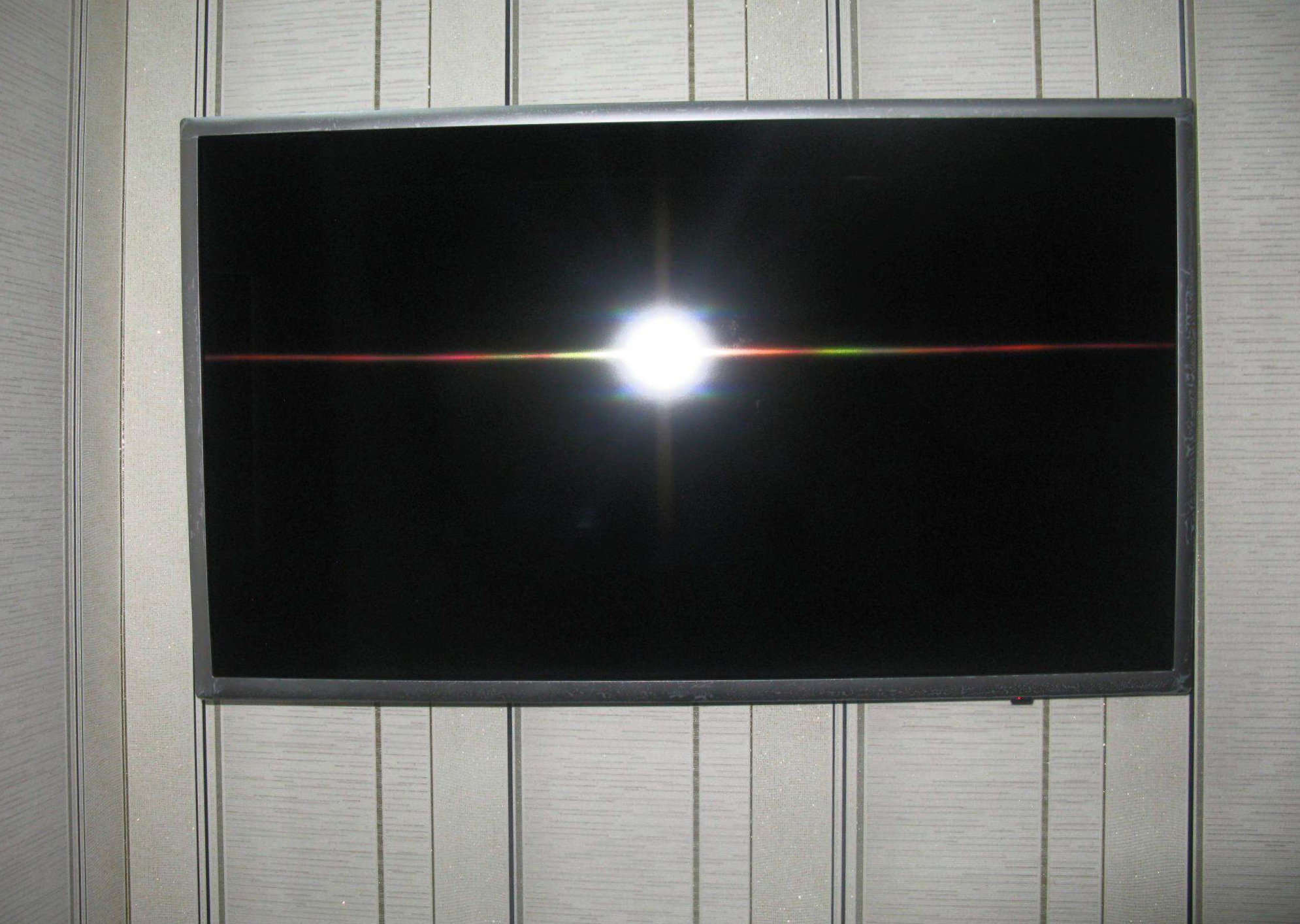 "Хороший подарок близким людям. Обзор на LED телевизор 32"" Samsung UE32M5550AUXRU Silver"