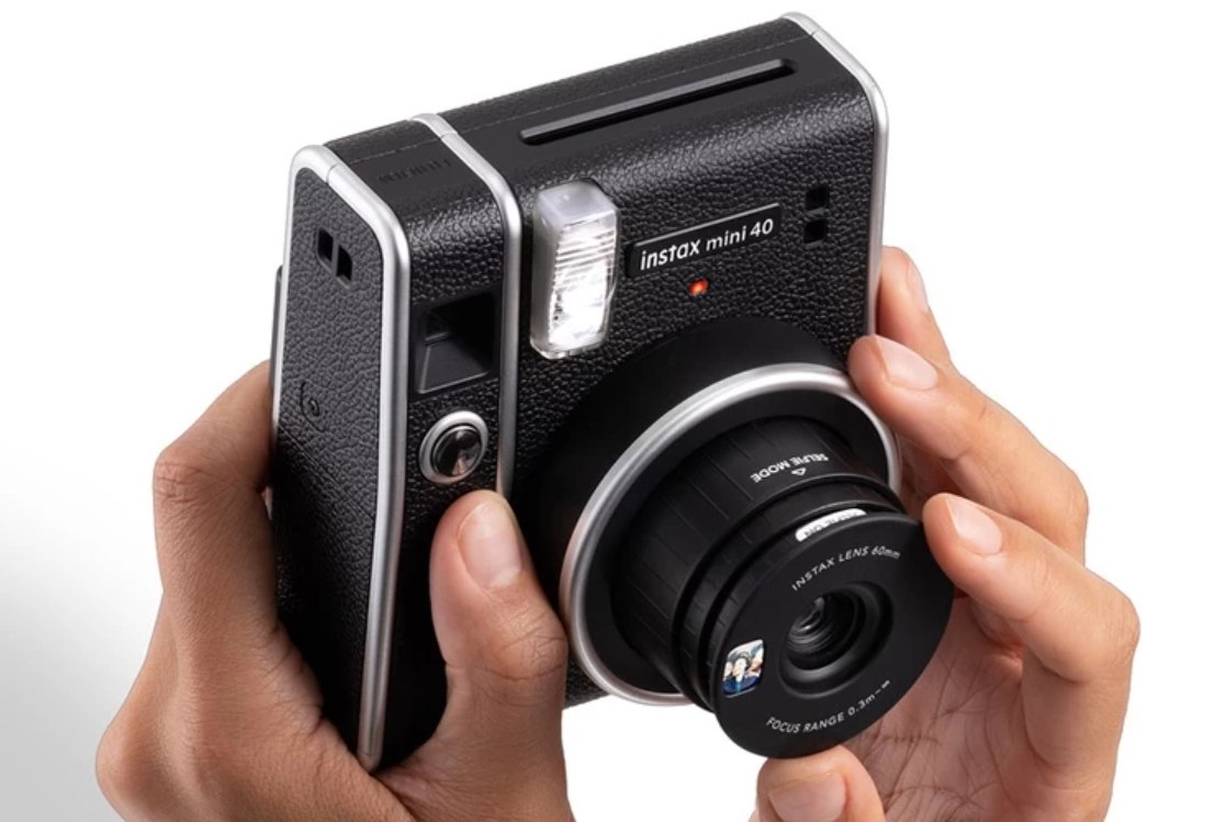 Fujifilm Instax Mini 40 — стильная камера с моментальной печатью выйдет уже скоро