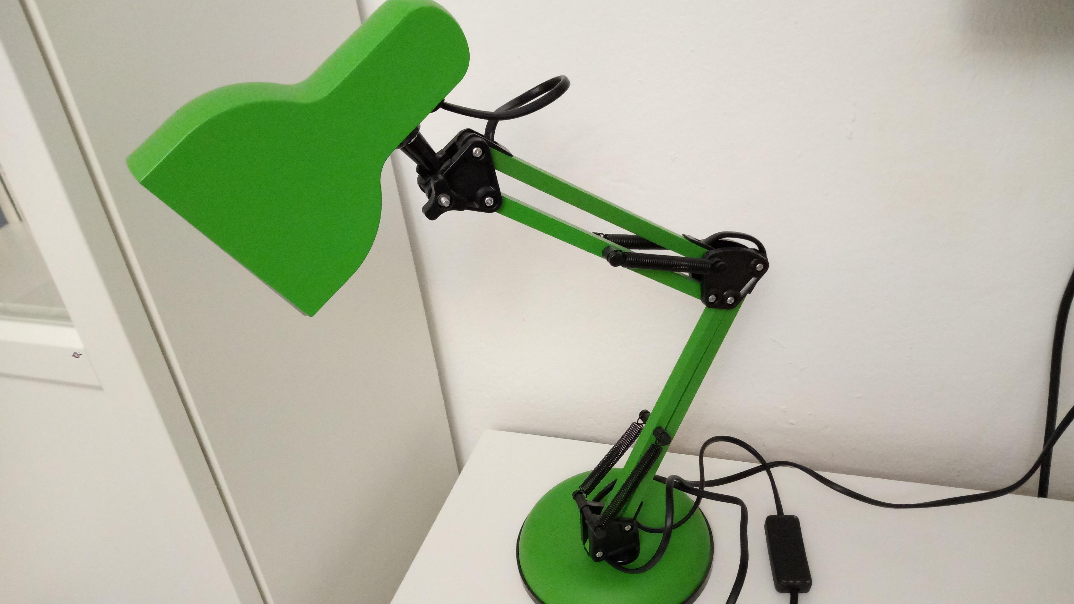 Настольный светильник по типу Pixar (для истинных ценителей). Обзор на Camelion KD-815